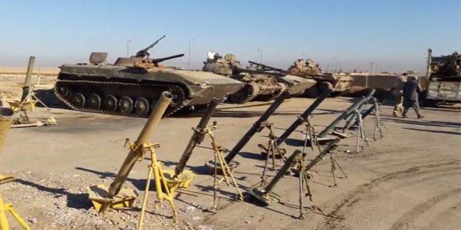 """العثور على مفخخات وعتاد متطور بعضه أمريكي وإسرائيلي في أوكار """"داعش"""" بدير الزور"""